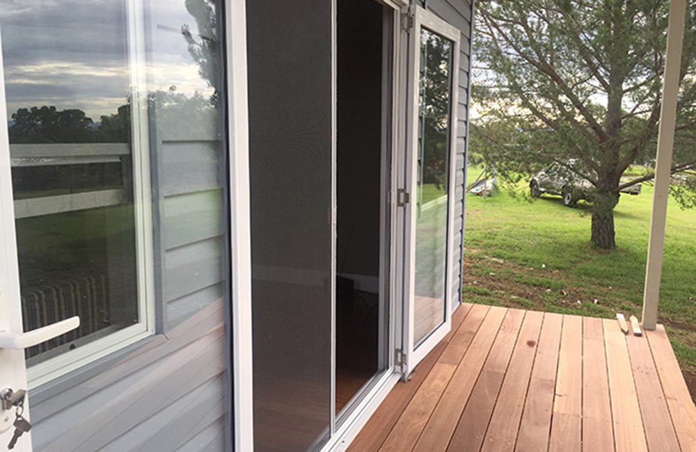 Retractable Fly Screens | Insect Screen Sydney | OZTECH